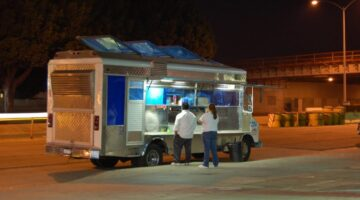 How To Start A Food Catering Truck Business: Is A Food Truck Catering Business Right For You?