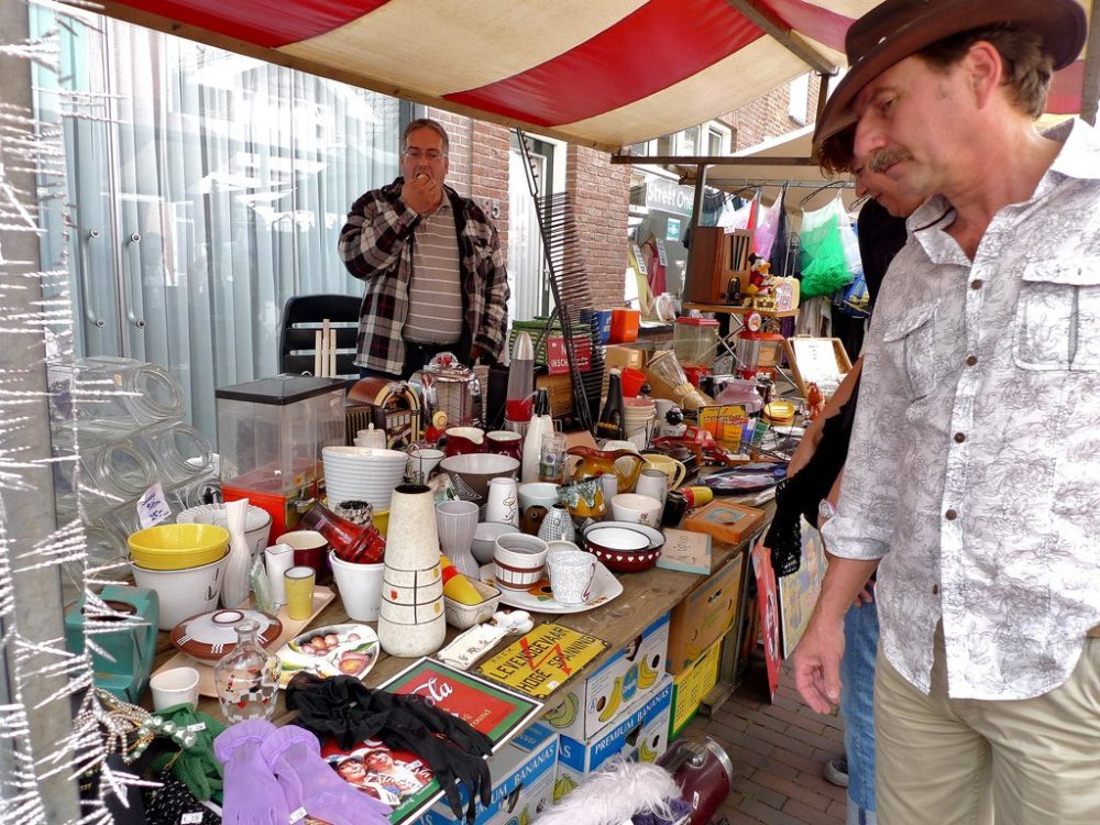 Starting A Flea Market Vendor Business What S Best At
